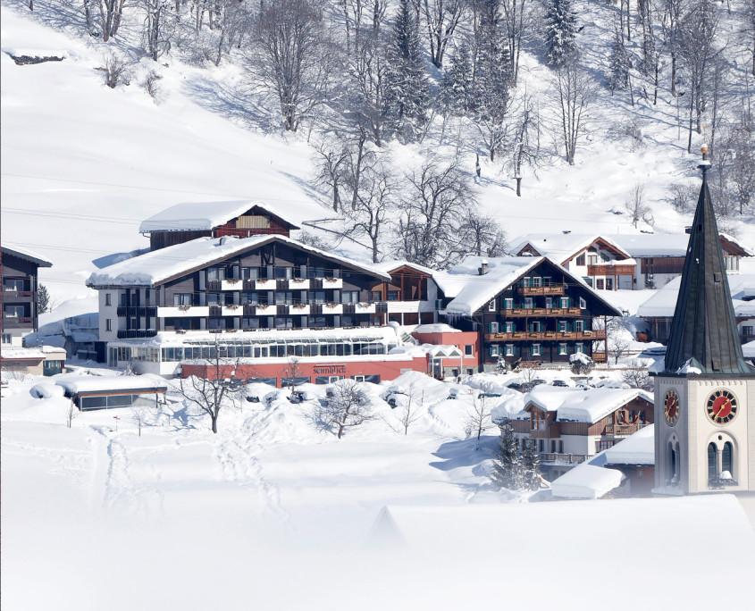 Winteridylle pur: Das Sonnblick im tief verschneiten Gaschurn